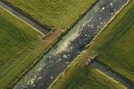 Kanaal Soestwetering kruist in het landschap met een sloot