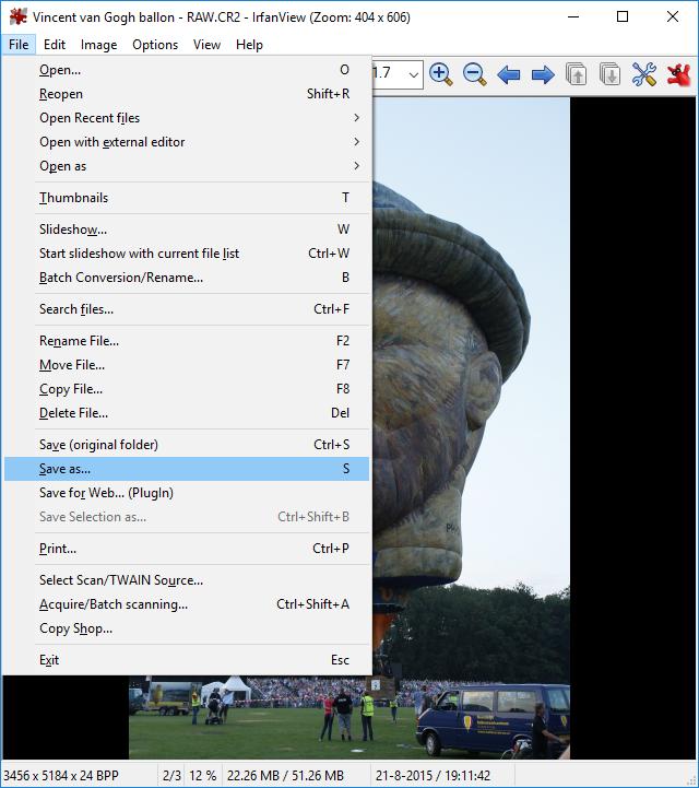 Toont het File menu in IrfanView om een foto op te slaan