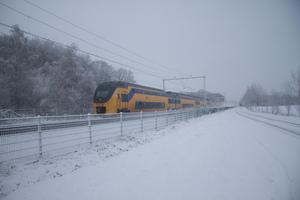 VIRM in de sneeuw bij Nijkerk