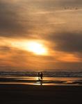Zonsondergang met silhouetten
