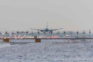 Landende Boeing op de Zwanenburglaan