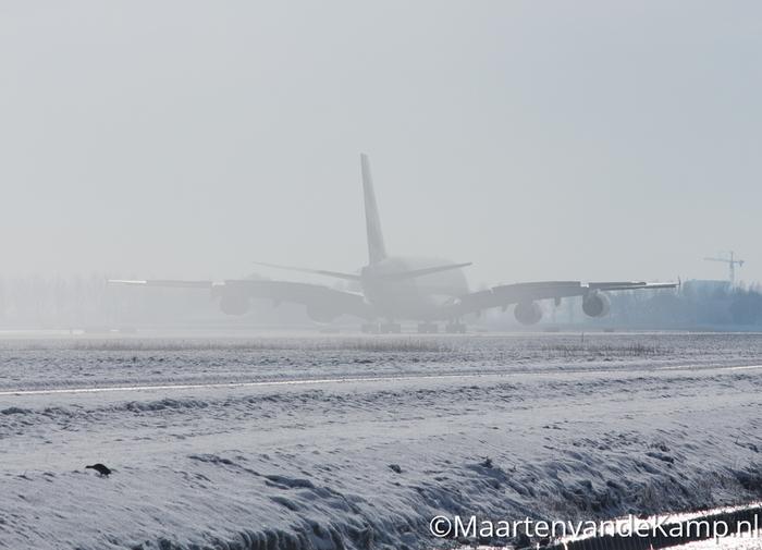 Airbus A380-861 (A6-EDK) van Emirates gelandt op de Polderbaan